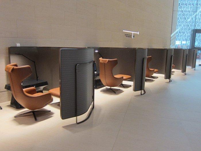 Qatar-Airways-Lounge-Doha - 16