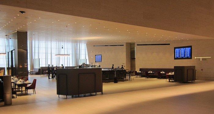 Qatar-Airways-Lounge-Doha - 26