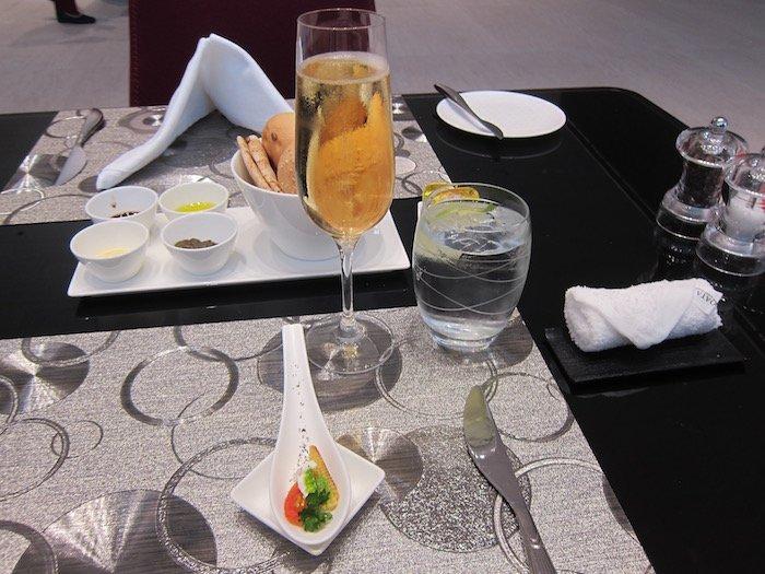 Qatar-Airways-Lounge-Doha - 32