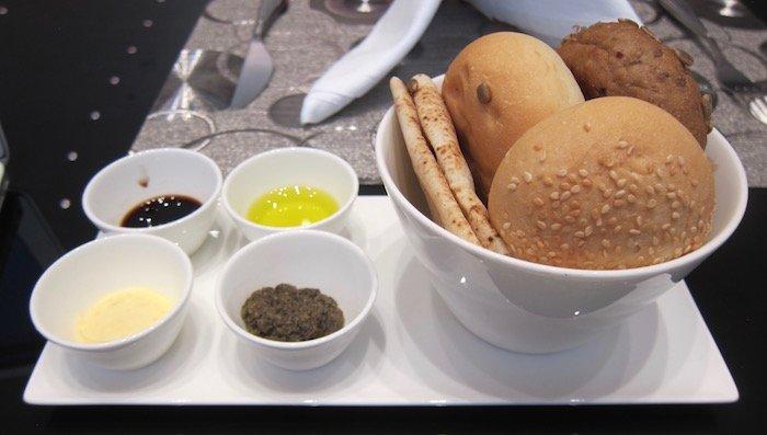 Qatar-Airways-Lounge-Doha - 34