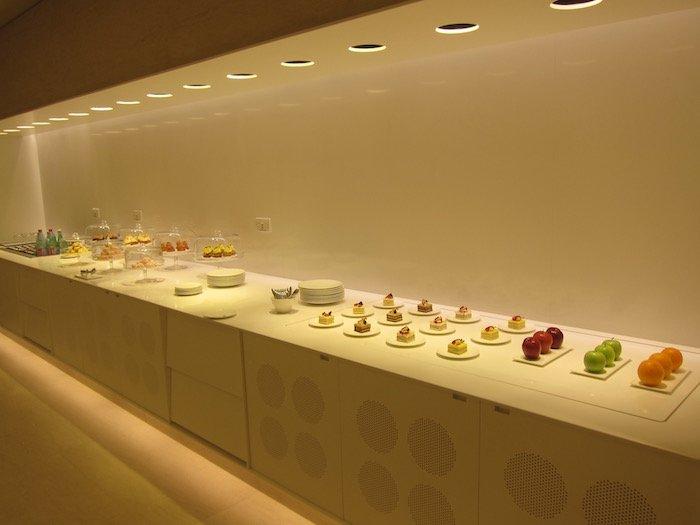 Qatar-Airways-Lounge-Doha - 45