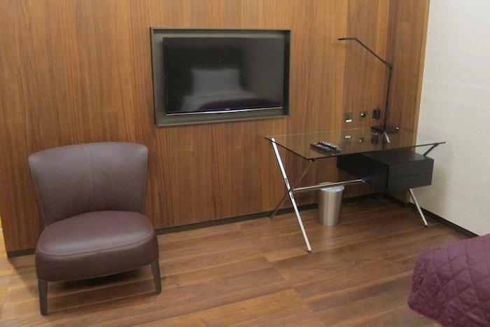 Qatar-Airways-Lounge-Doha - 52