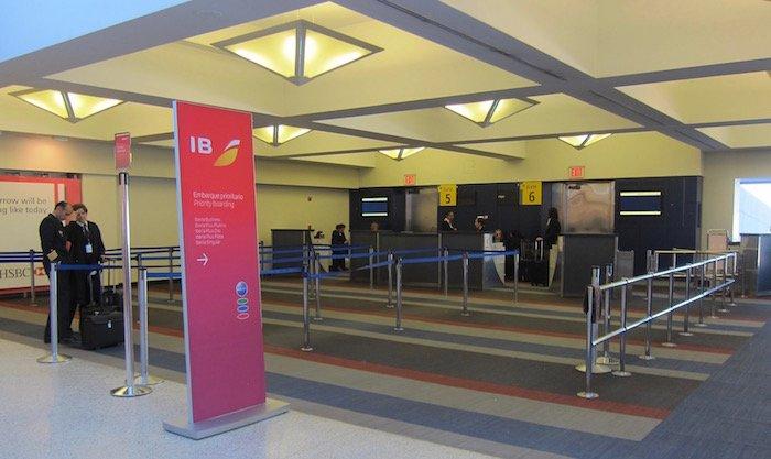British-Airways-Lounge-JFK - 56