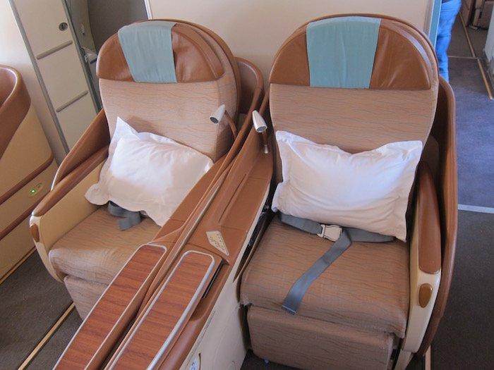 Oman-Air-Business-Class-A330 - 6