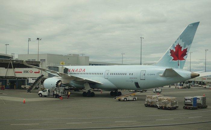 Air-Canada-787-Business-Class - 19