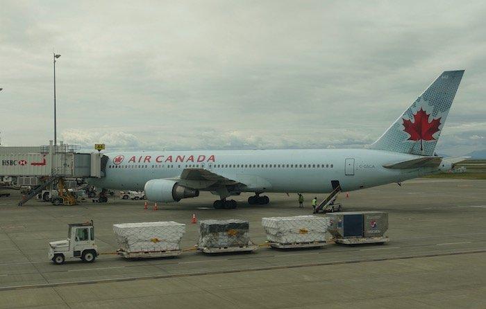 Air-Canada-787-Business-Class - 22