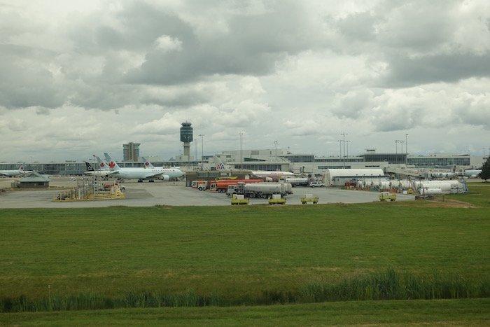 Air-Canada-787-Business-Class - 23