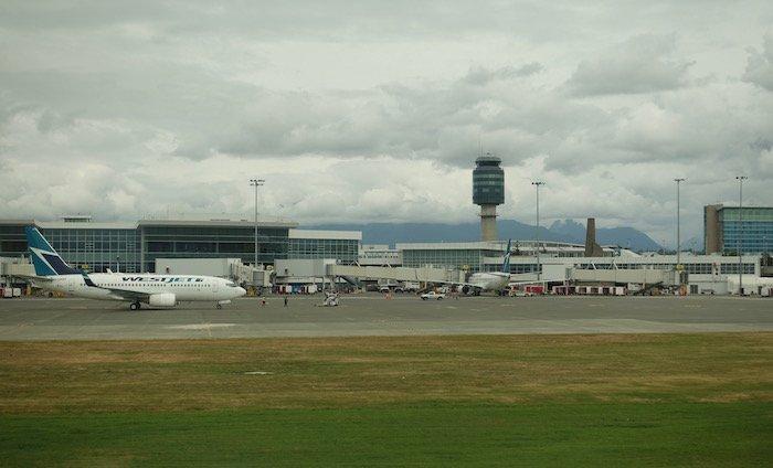 Air-Canada-787-Business-Class - 25