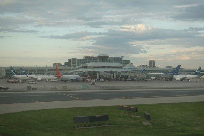Air-Canada-787-Business-Class - 71