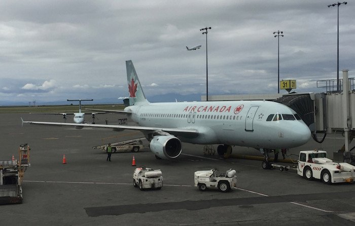 Air-Canada-Lounge-Vancouver - 44