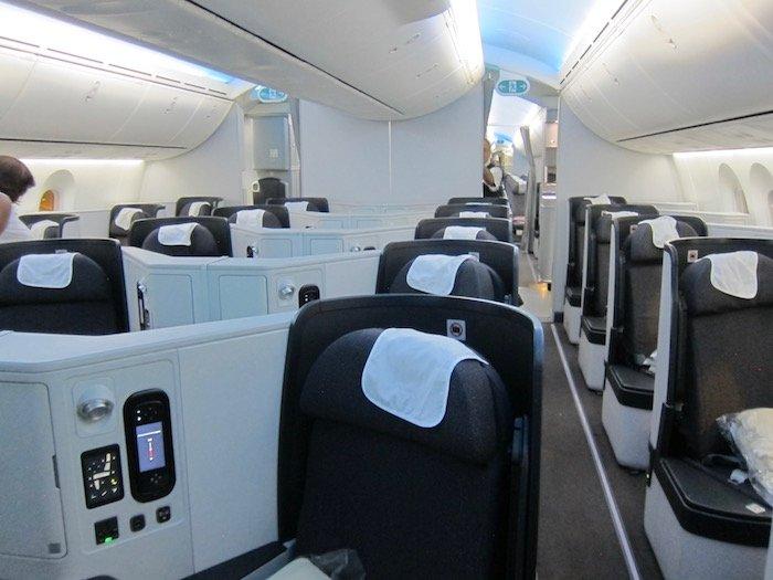 Avianca-Business-Class-787 - 1