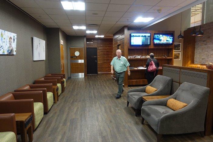 South-African-Airways-Lounge-Johannesburg - 12