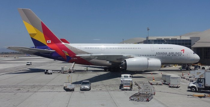 China-Eastern-Business-Class-777 - 32