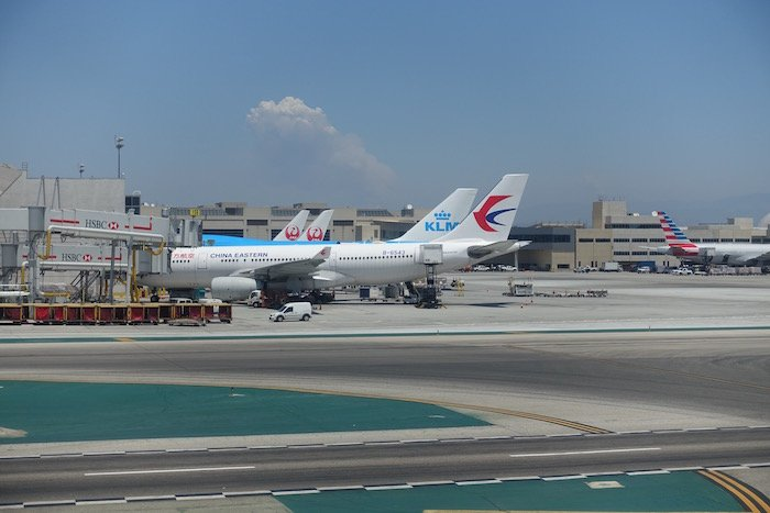 China-Eastern-Business-Class-777 - 36
