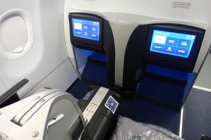 JetBlue-Mint-A321 - 4