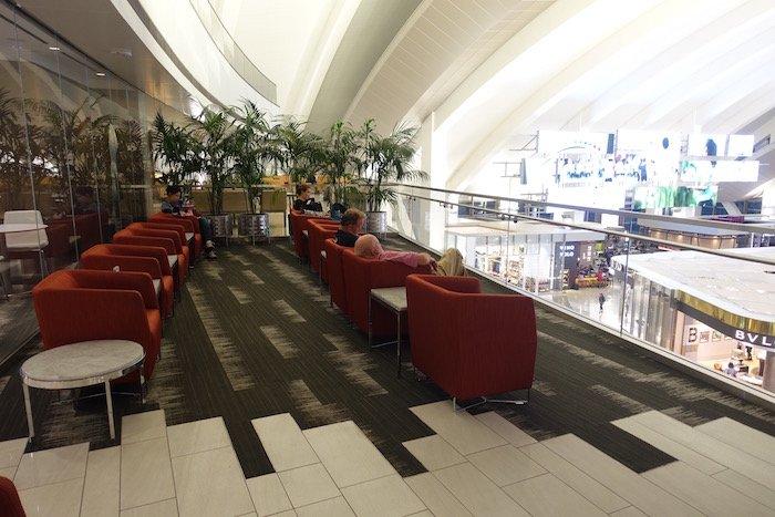 Los-Angeles-International-Lounge - 22