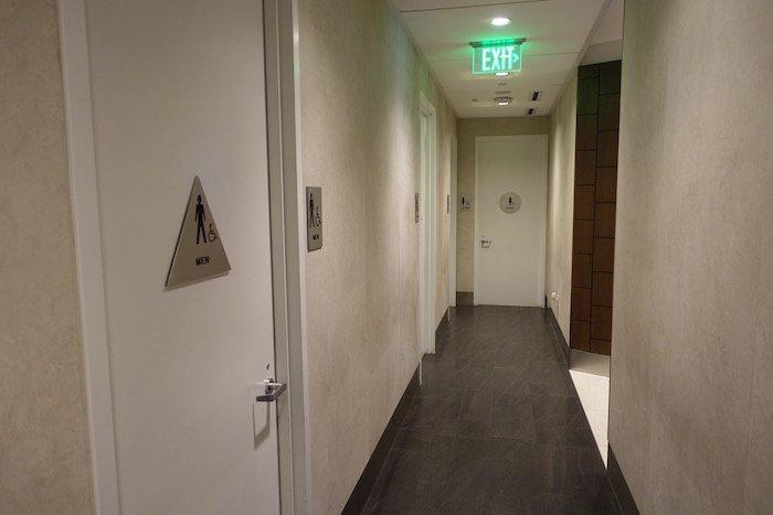 Los-Angeles-International-Lounge - 37