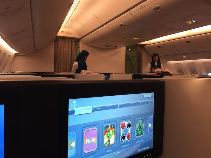 Saudia-Business-Class-777 - 38