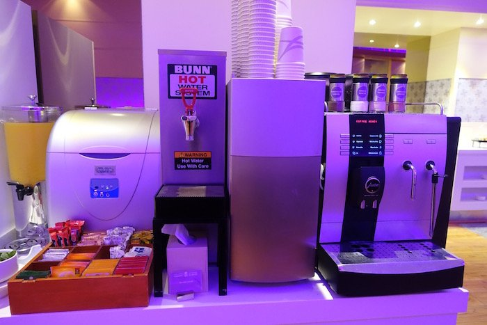 Saudia-Lounge-Jeddah-Airport - 39
