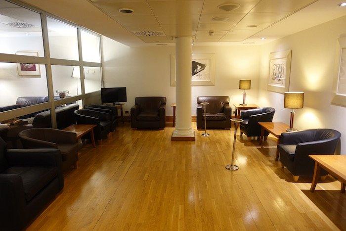 British-Airways-Lounge-Rome - 12