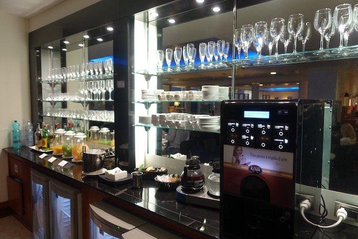 British-Airways-Lounge-Rome - 14
