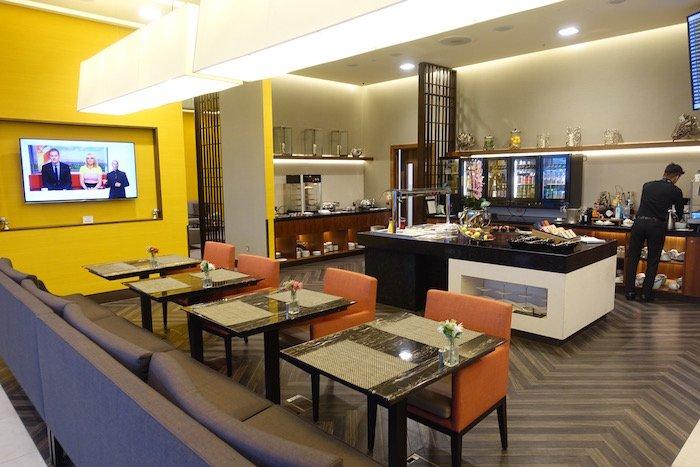 singapore-airlines-lounge-london-heathrow-14