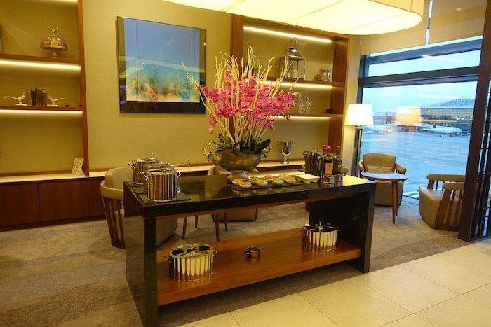 singapore-airlines-lounge-london-heathrow-15