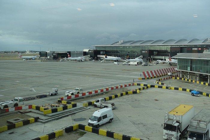 singapore-airlines-lounge-london-heathrow-23
