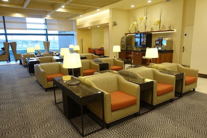 singapore-airlines-lounge-london-heathrow-30