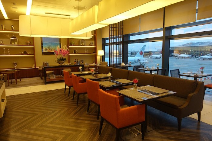 singapore-airlines-lounge-london-heathrow-5