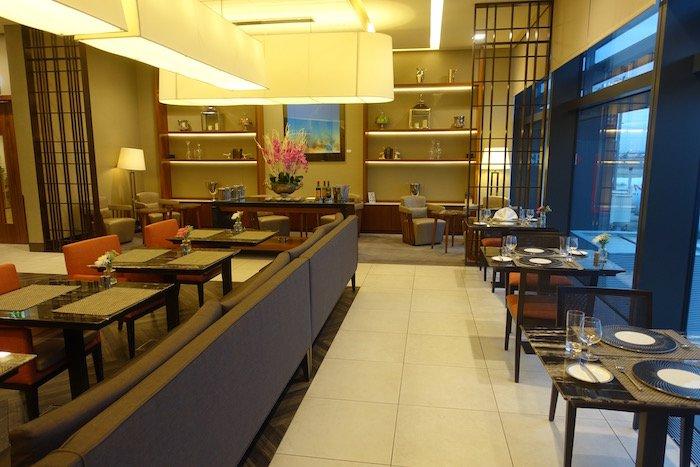 singapore-airlines-lounge-london-heathrow-7