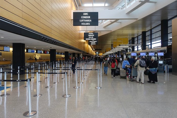 the-club-seattle-airport-1