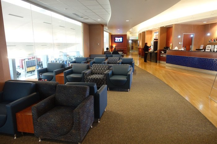 the-club-seattle-airport-11