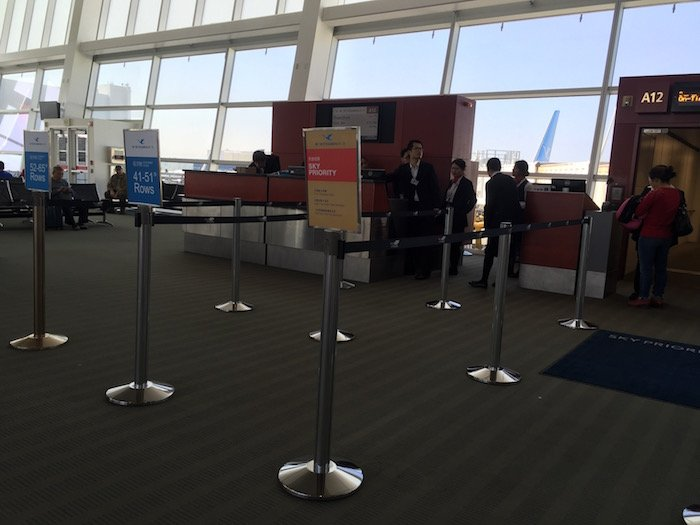 the-club-seattle-airport-31