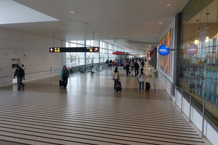 the-club-seattle-airport-4