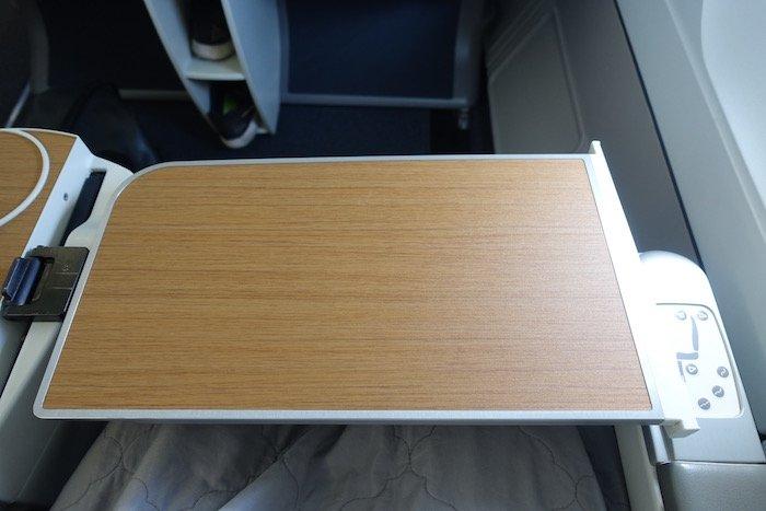 air-tahiti-nui-business-class-a340-15