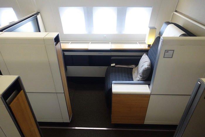 swiss-first-class-777-4