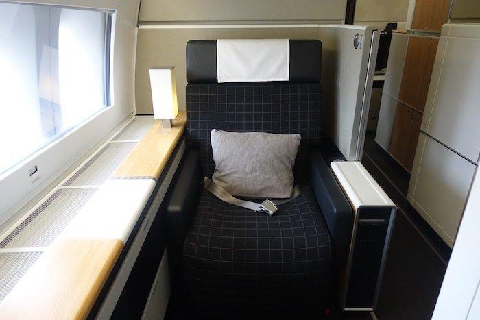 swiss-first-class-777-5