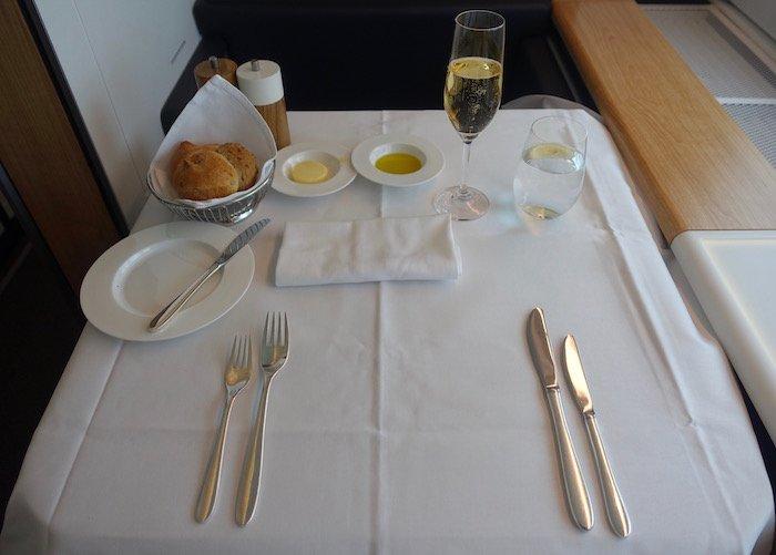 swiss-first-class-777-51