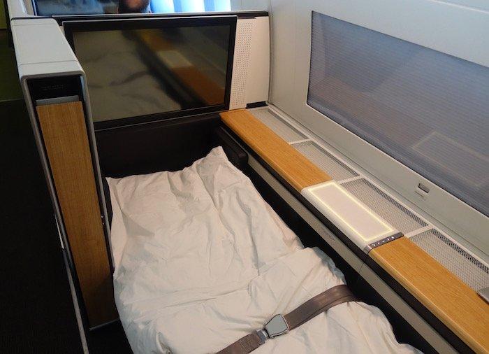 swiss-first-class-777-69