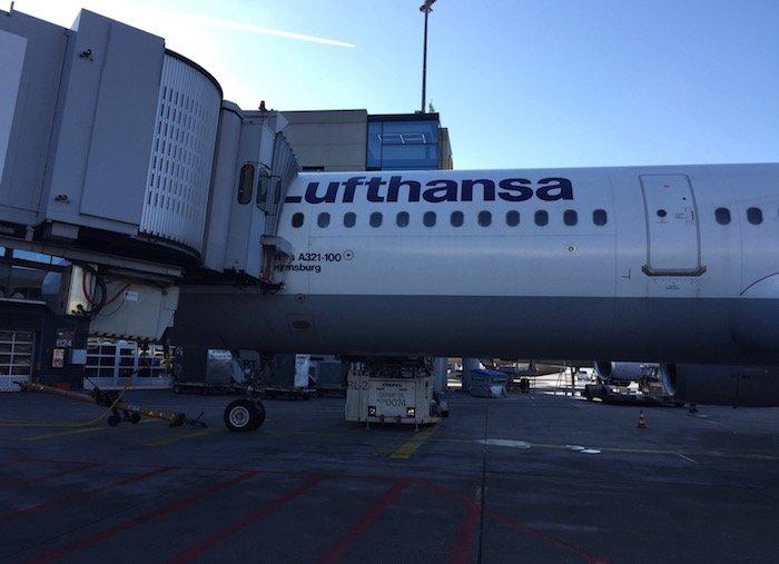 lufthansa-first-class-terminal-53