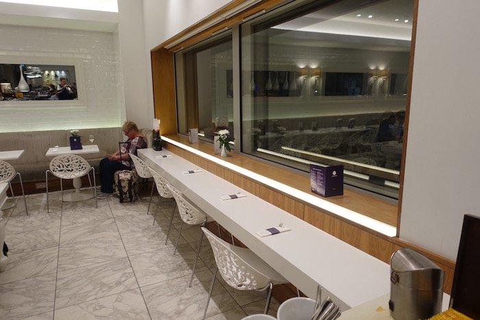 no1-lounge-heathrow-terminal-3-26