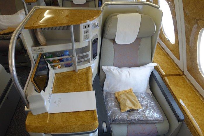 emirates-a380-business-class-3