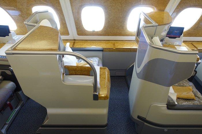 emirates-business-class-a380-3