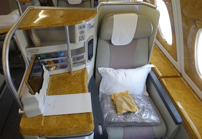 emirates-business-class-a380-4