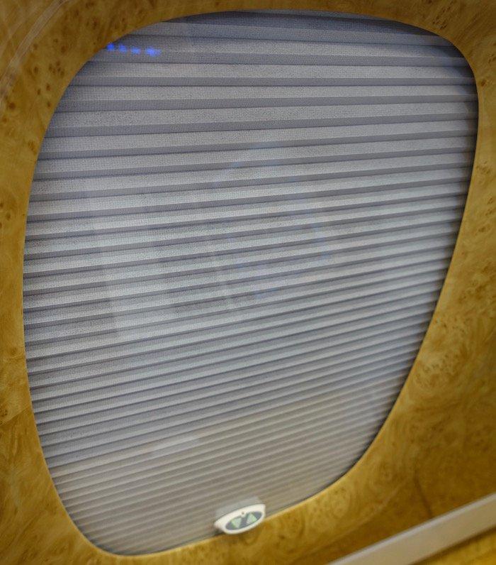 emirates-business-class-a380-41