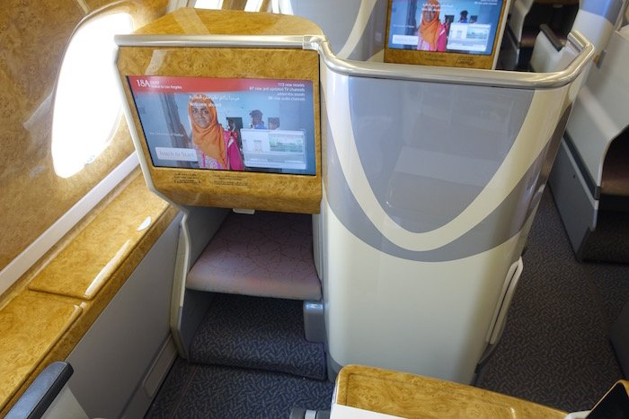emirates-business-class-a380-5