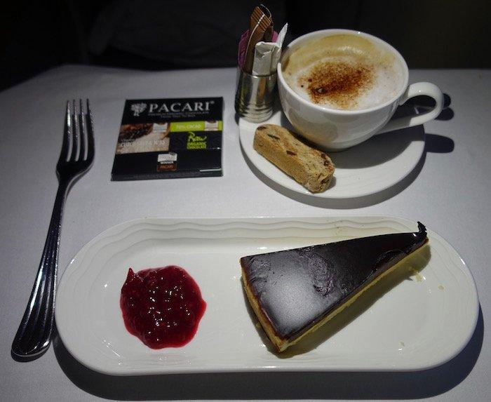 emirates-business-class-a380-62