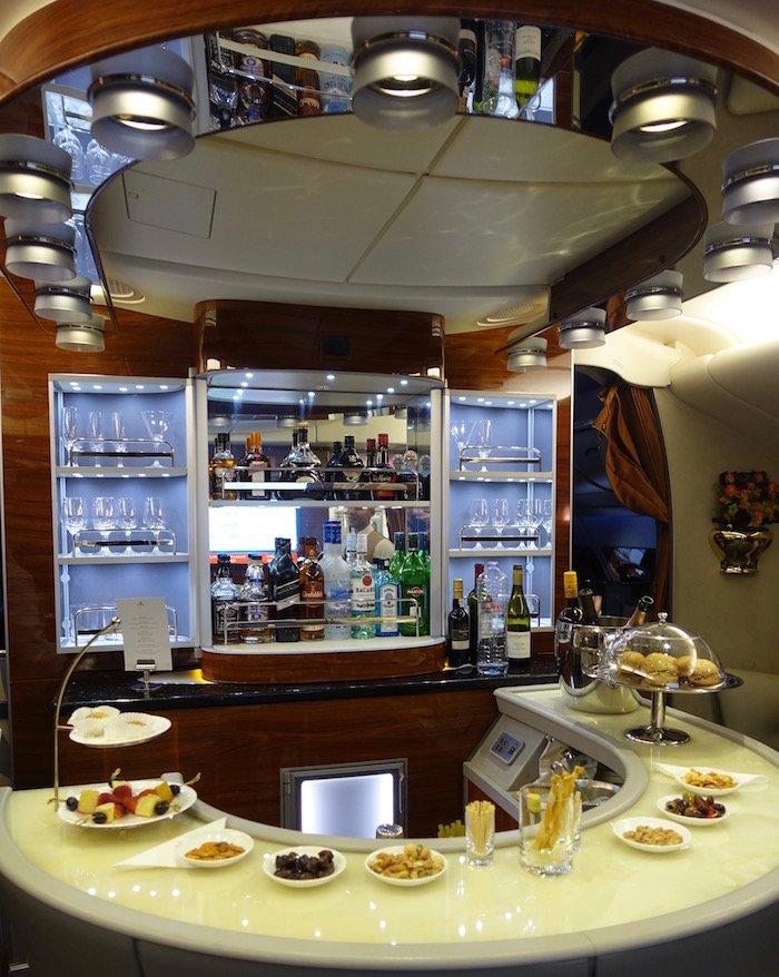 emirates-business-class-a380-68