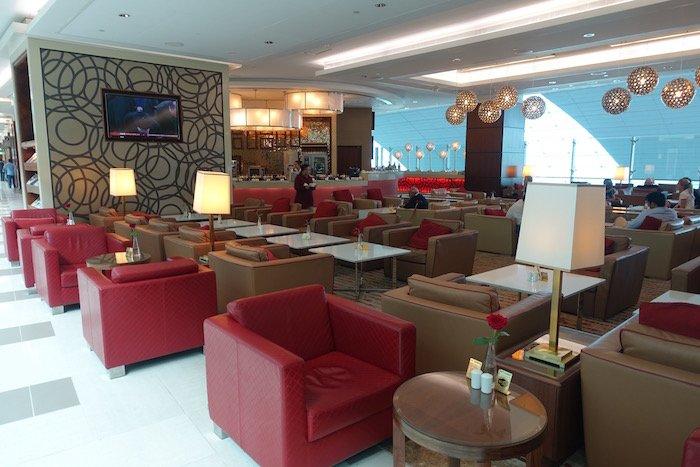 emirates-business-class-lounge-dubai-19